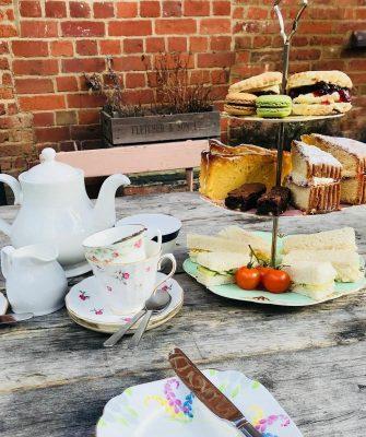 Afternoon Tea De Koffie Pot Left Bank